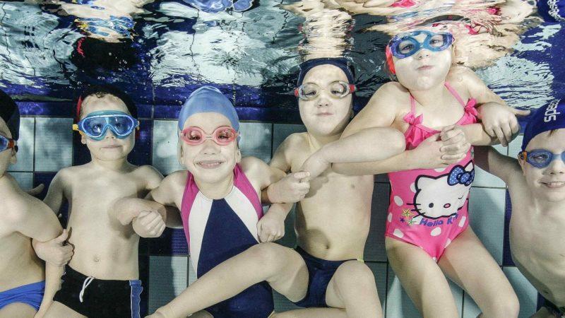 akademia ruchy pływanie dzieci i niemowląt